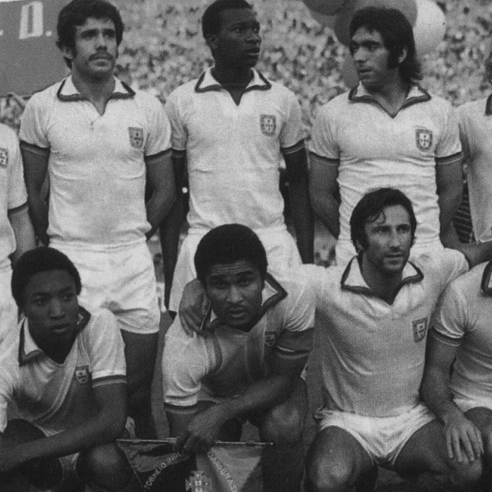 Portugal 1972 Away Retro Football Shirt | 2 | COPA