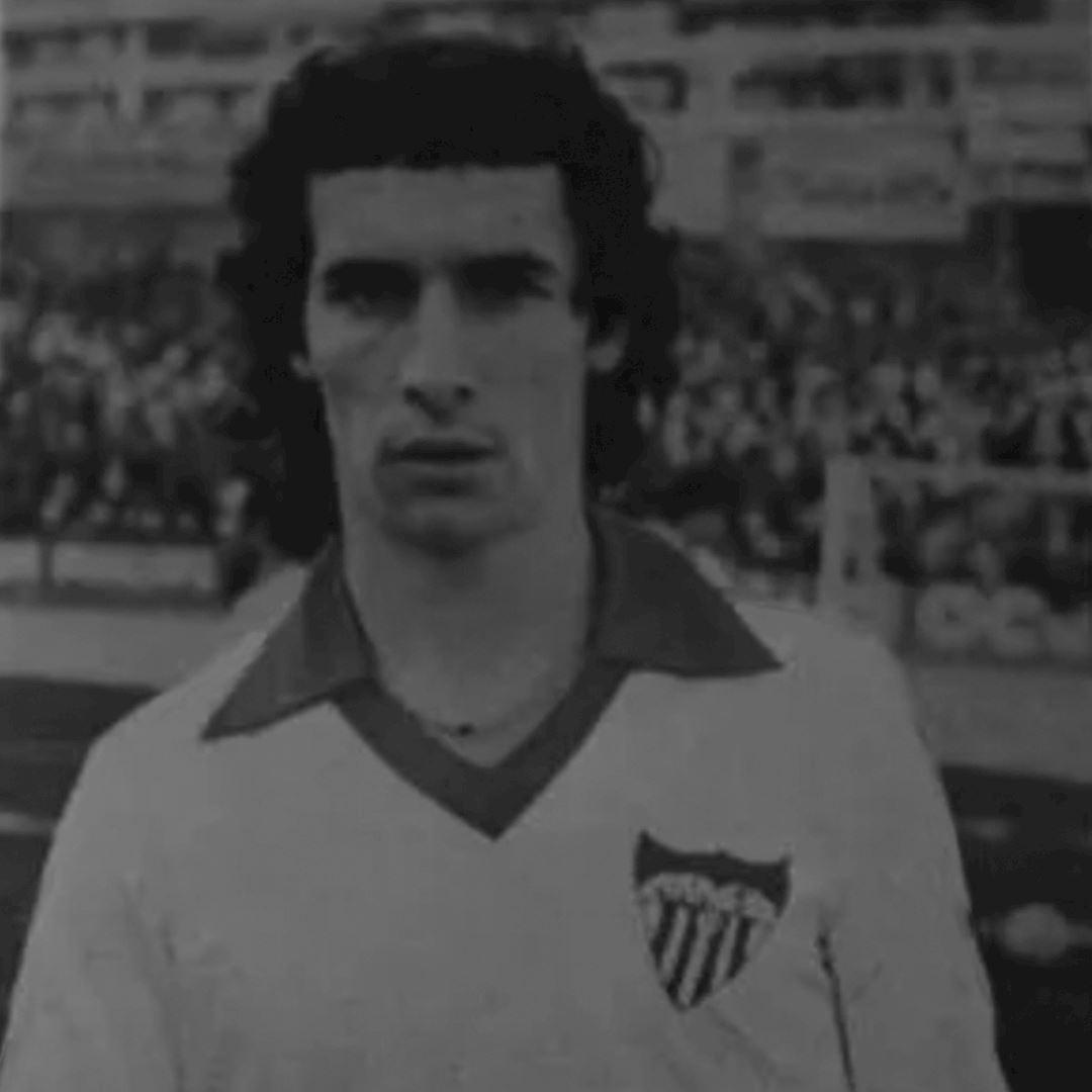 Sevilla FC 1980 - 81 Retro Football Shirt   2   COPA