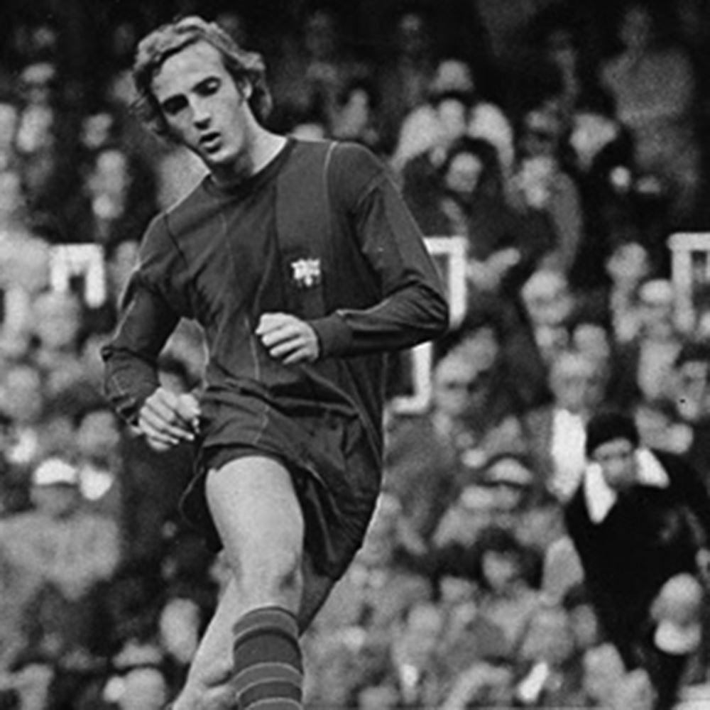 FC Barcelona 1973 - 74 Retro Football Shirt   2   COPA