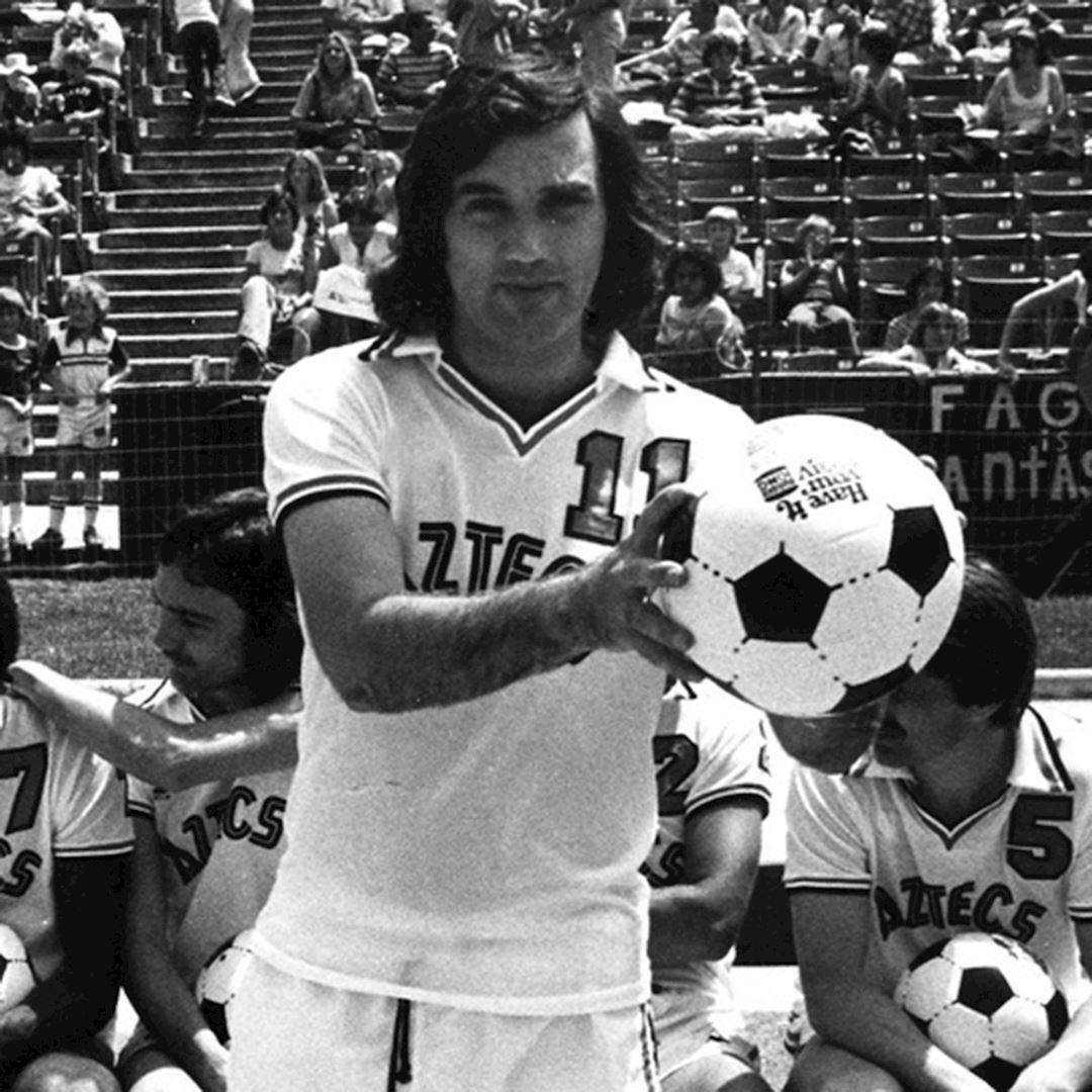 George Best L.A. Aztecs 1977 - 78 Retro Football Shirt   2   COPA