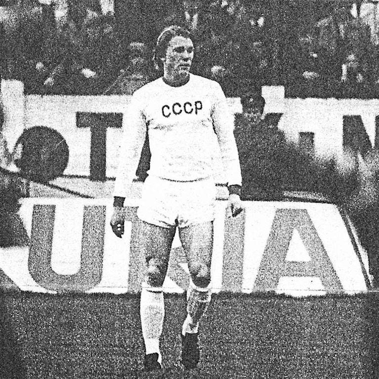 606 | CCCP Away 1970's Long Sleeve Retro Football Shirt | 2 | COPA