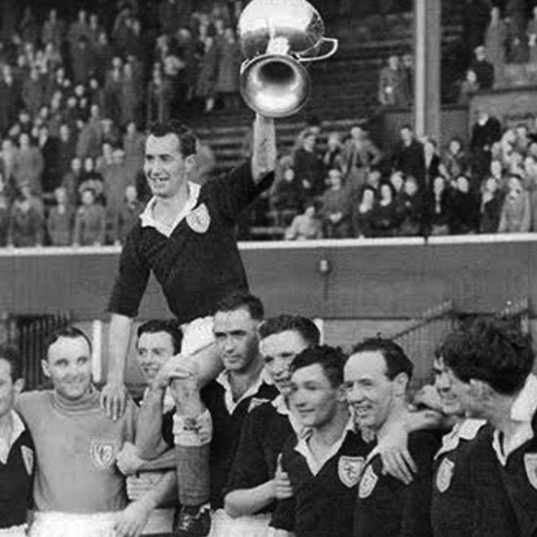 774 | Dundee FC 1952 / 1954 Long Sleeve Retro Football Shirt | 2 | COPA