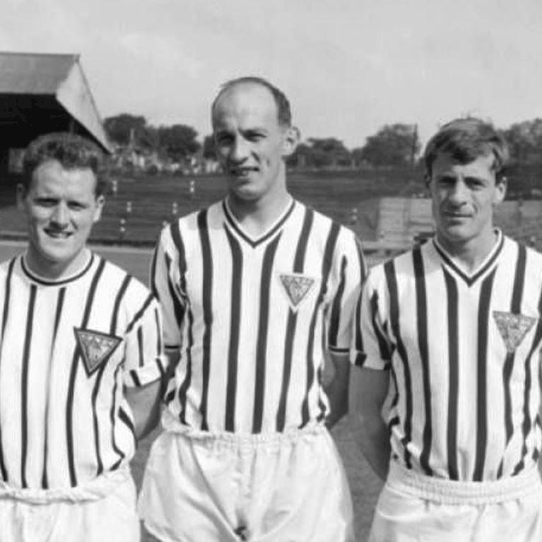 797 | Dunfermline Athletic FC 1960's Long Sleeve Retro Football Shirt | 2 | COPA