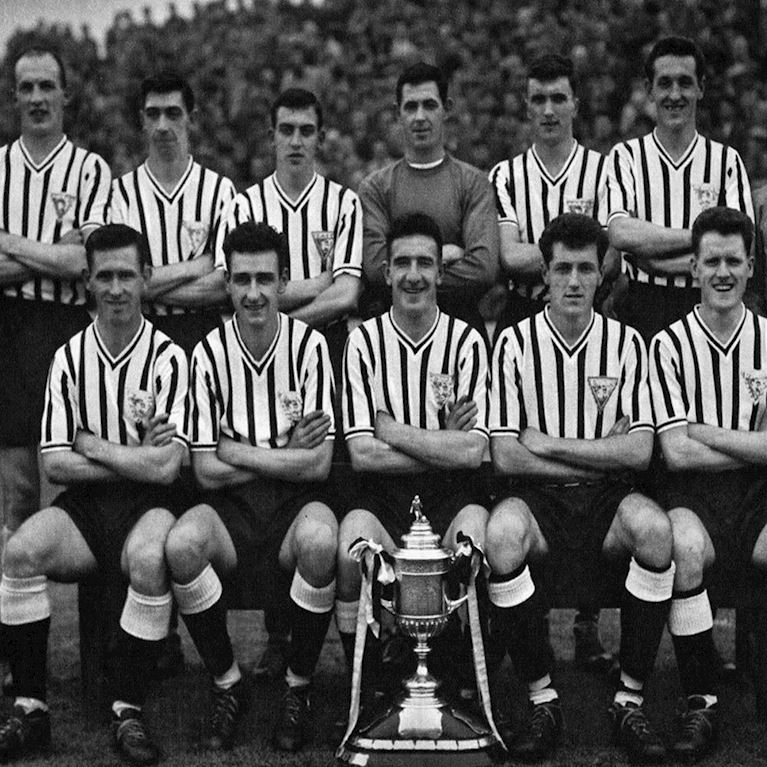 798 | Dunfermline Athletic FC 1960's Short Sleeve Retro Football Shirt | 2 | COPA