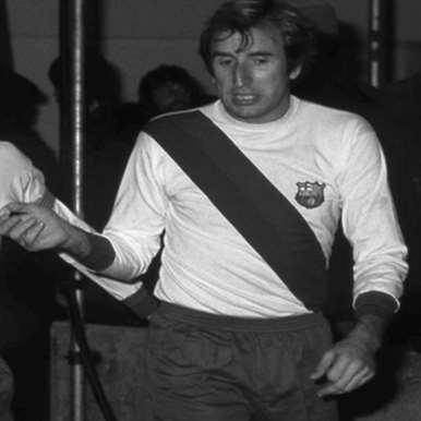 704 | FC Barcelona Away 1974 - 75 Retro Football Shirt | 2 | COPA