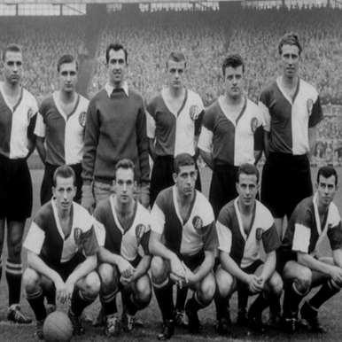 1244 | Feyenoord 1960's Retro Football Shirt | 2 | COPA