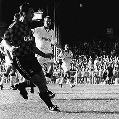 264 | Fulham FC 1996 - 97 Away Retro Football Shirt | 2 | COPA