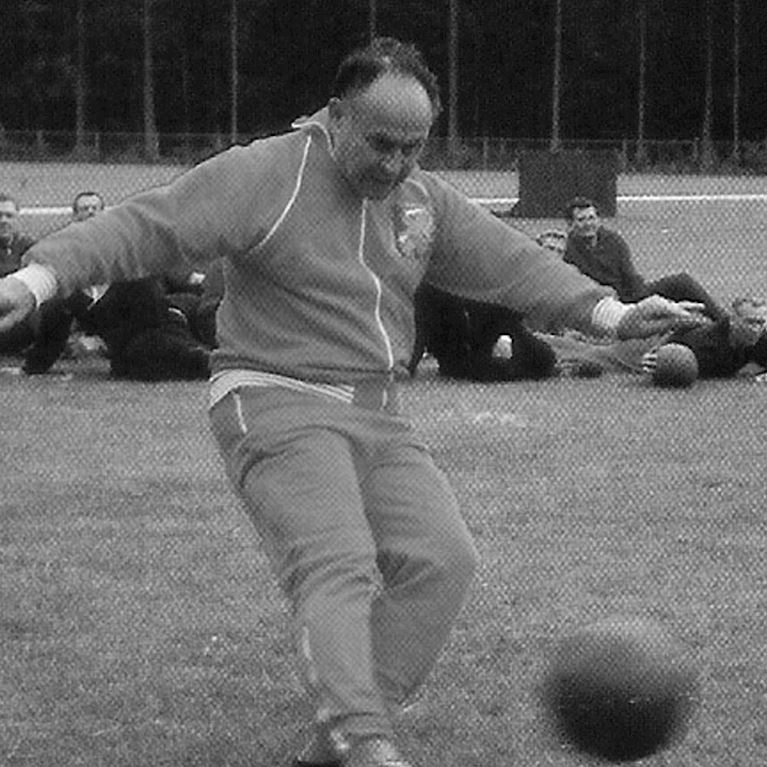852   Holland 1960 Retro Football Jacket   2   COPA