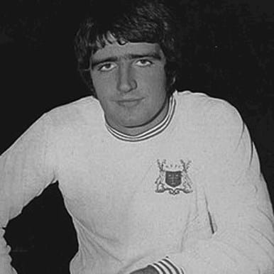 715 | Nottingham Forest 1966-1967 Away Retro Football Shirt | 2 | COPA