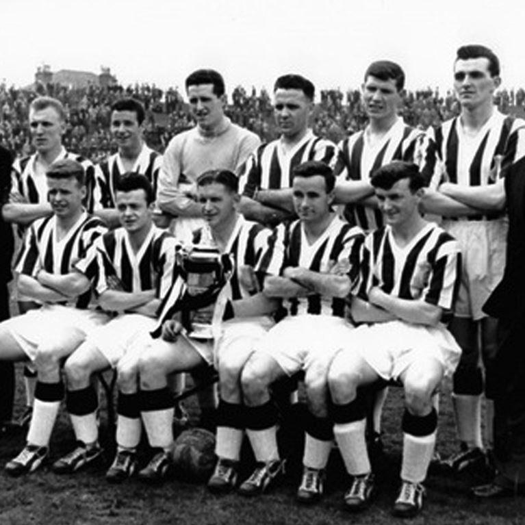773 | St. Mirren 1959 Short Sleeve Retro Football Shirt | 2 | COPA