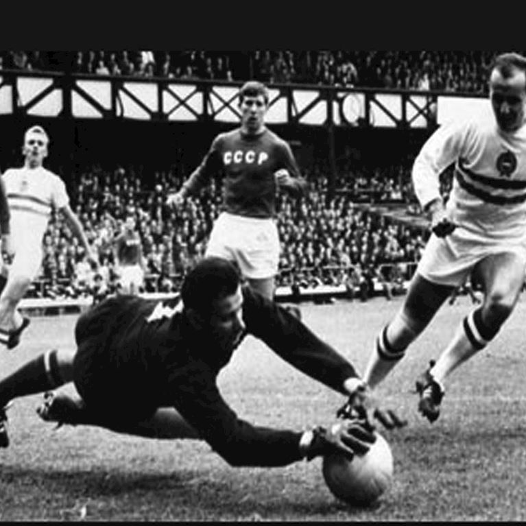 620 | CCCP Keeper 1960's Long Sleeve Retro Football Shirt | 2 | COPA