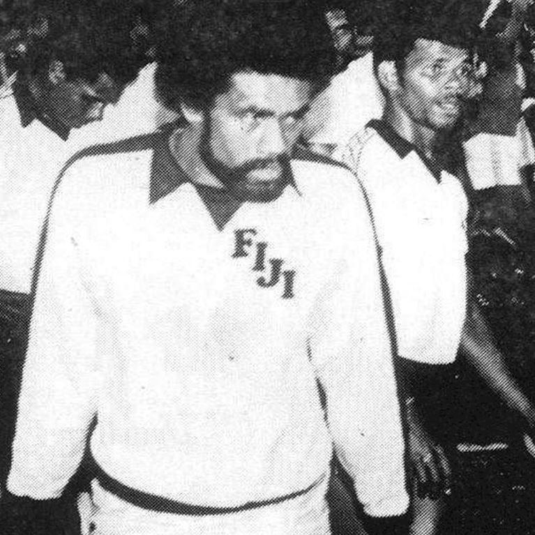 584 | Fiji 1980's Long Sleeve Retro Football Shirt | 2 | COPA
