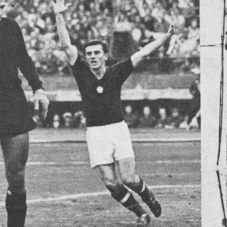 562 | Hungary 1970's Short Sleeve Retro Football Shirt | 2 | COPA