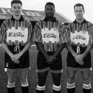 Cardiff City FC 1993 - 94 Away Retro Voetbal Shirt | 2 | COPA