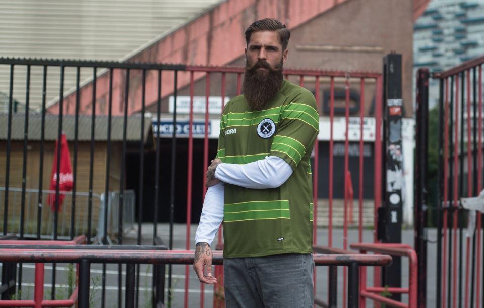 Football Shirts mobiel